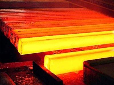 کاهش تولید فولاد خام در نیمه اول امسال